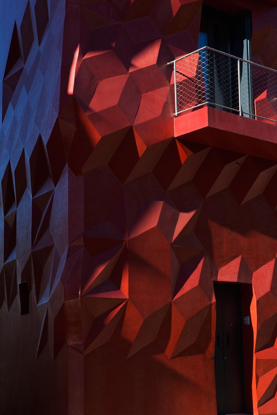 gentle-genius-gg-loop-facade-refurbishment_dezeen_936_3
